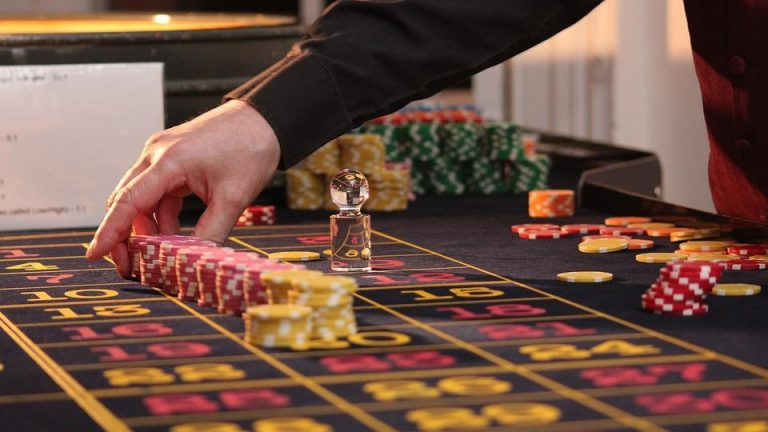 Is It Realistic to Make Money on the Internet — Roulette