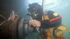 5 tips on choosing a professional commercial diver