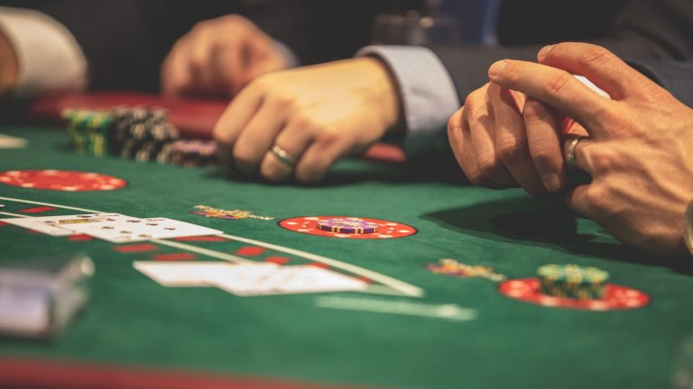 What Are Some Reasons for Online Casino's Recent Popularity?